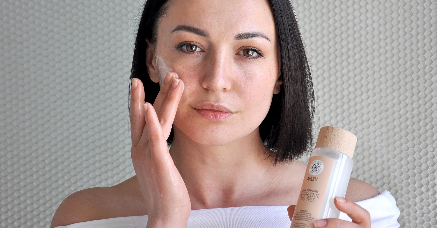 Detergenti e struccanti per il viso